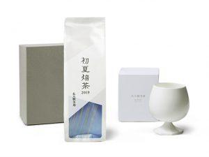 初夏焙茶とオリジナルカップ 冷茶器-SHOKA-の詰合せです